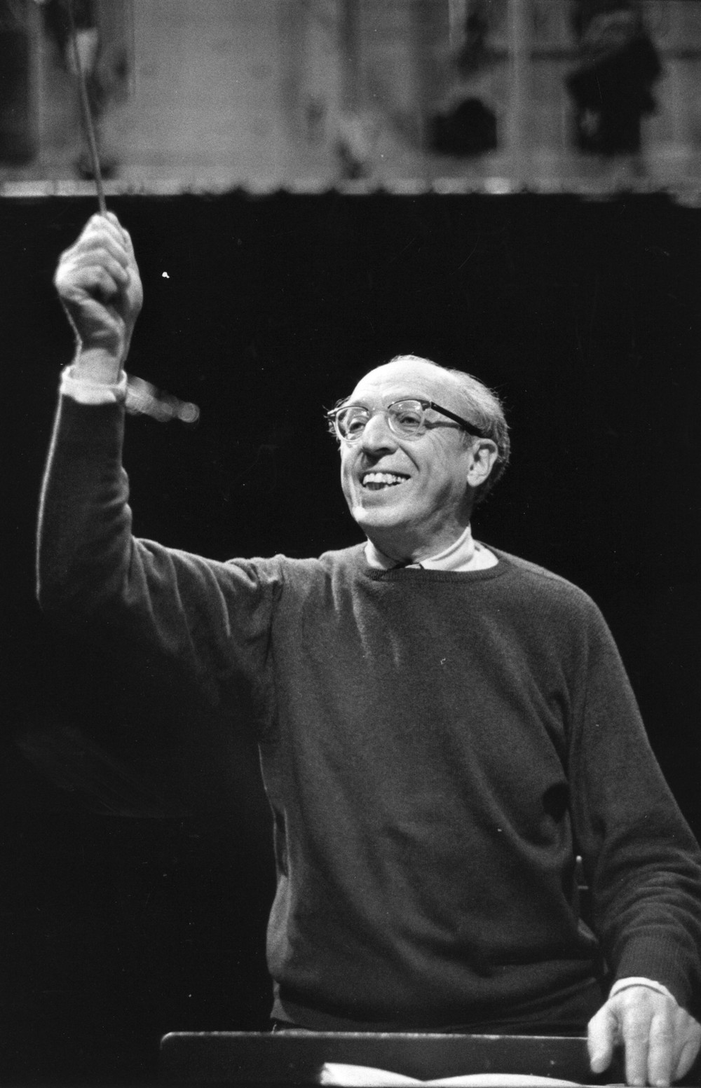 aaron copland Find aaron copland biography and history on allmusic - few figures in american music loom as large as.