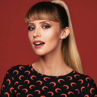 Angèle profile picture